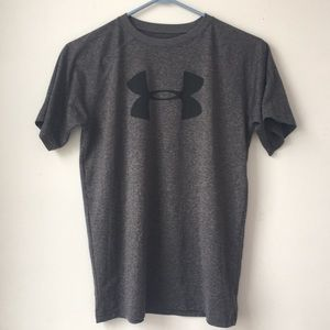 Uni-sex Under Armor tshirt